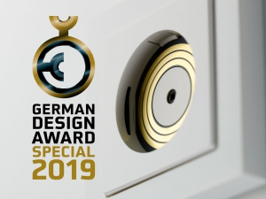 NewsBanner PL GDA 2019 300x225 - INSTA PLUG & LIGHT MIT DEM GERMAN DESIGN AWARD 2019 AUSGEZEICHNET